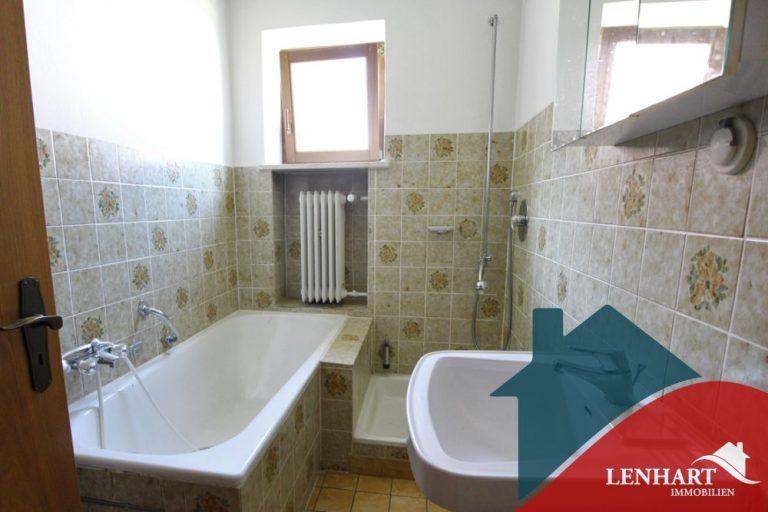 Bauernhaus-Bonstetten-Badezimmer-EG