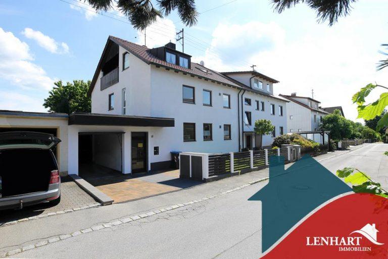 Dachgeschosswohnung-Diedorf-Ansicht_Haus_Straßenseite