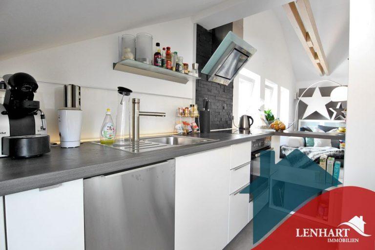 Dachgeschosswohnung-Haunstetten-Küche