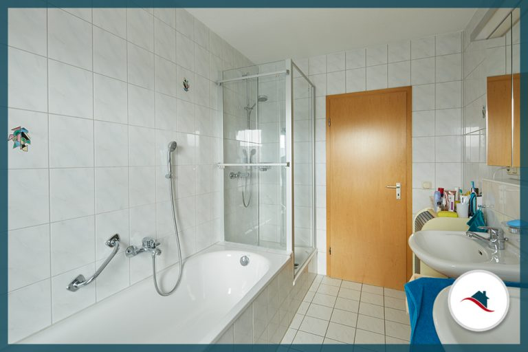 Dachgeschosswohnung-Neuburg-Bad-groß1