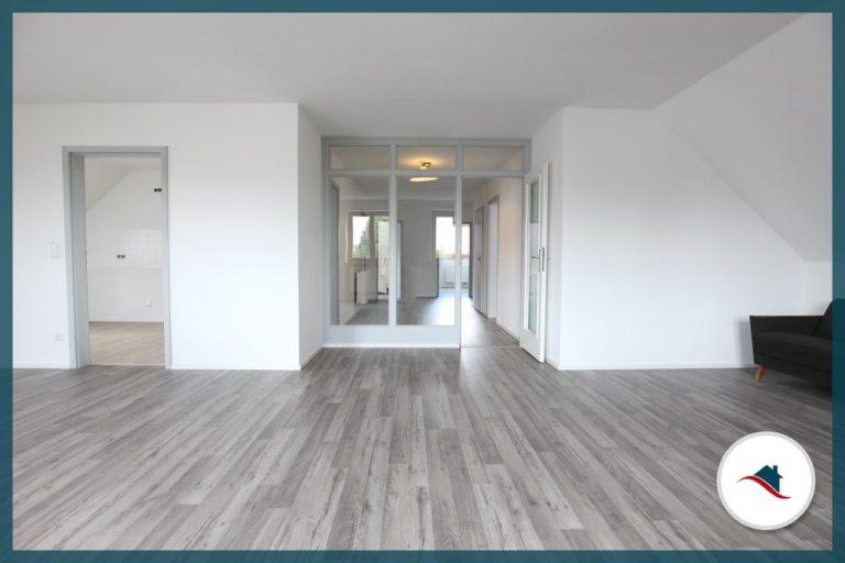 Dachgeschosswohnung-Ziemetshausen-Wohnen-Flur