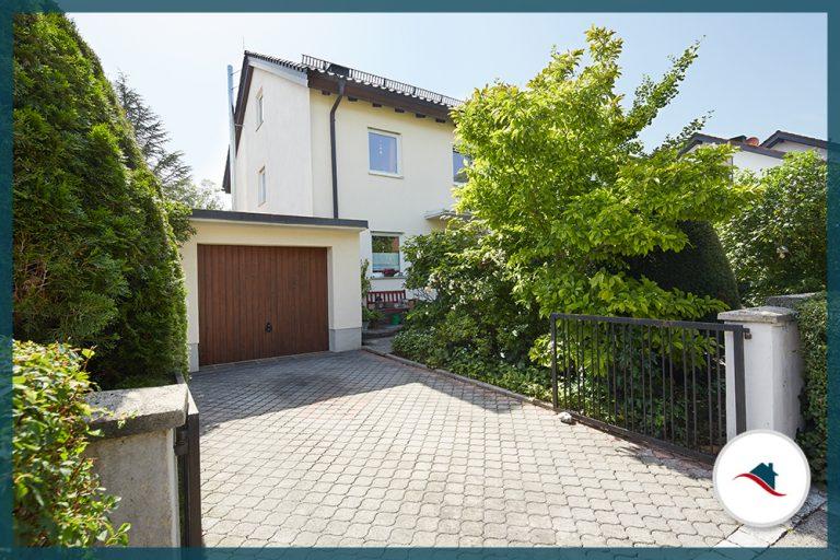 Doppelhaushälfte-Puchheim-Garage