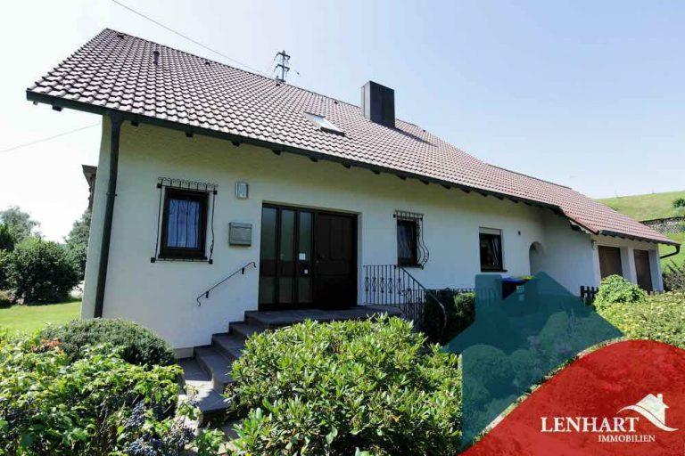 Einfamilienhaus-Ebershausen-AnsichtEingang