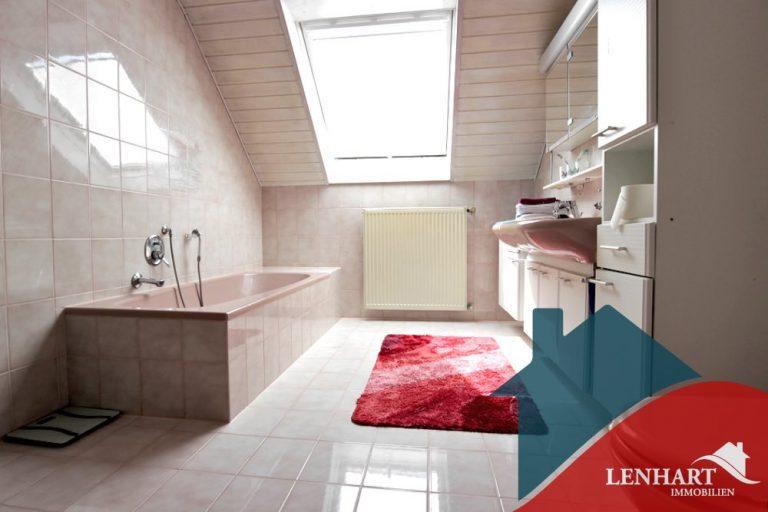 Einfamilienhaus-Ebershausen-Badezimmer