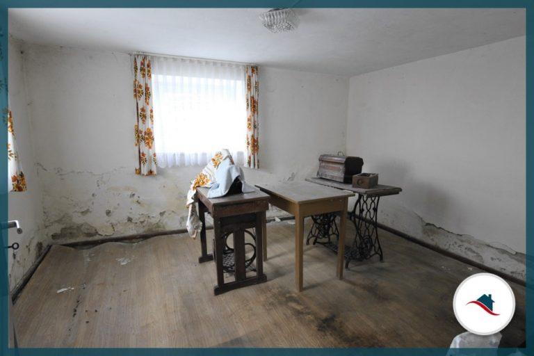 Einfamilienhaus-Edelstetten-ZimmerKG