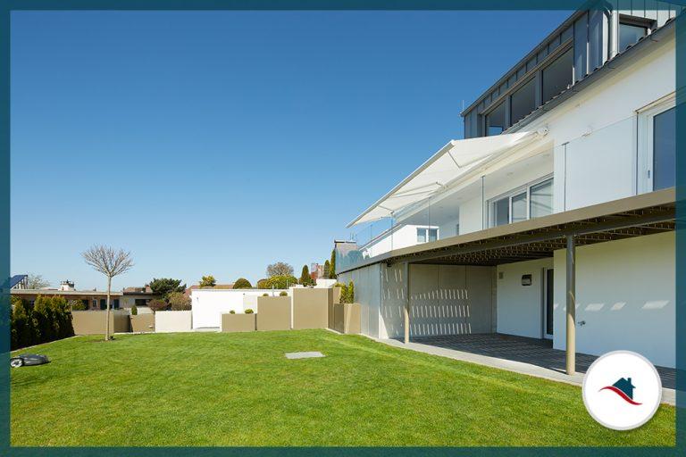 Einfamilienhaus-Krumbach-Terrasse-Garten