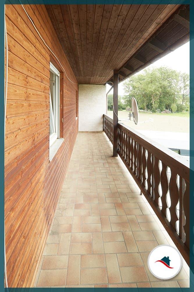 Einfamilienhaus-Niederraunau-Balkon