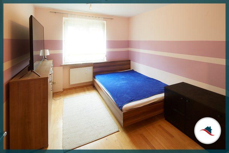 Erdgeschosswohnung-Augsburg-Zimmer_Kind2