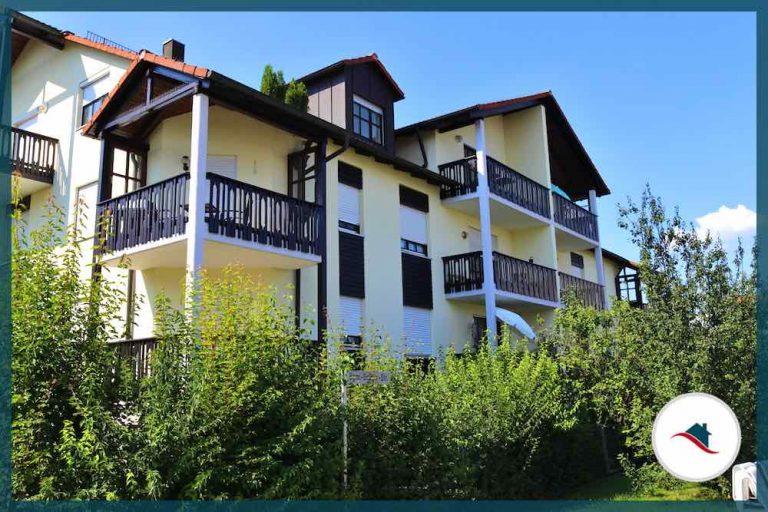 Etagenwohnung-Diedorf-Balkone
