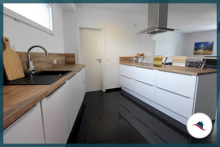 Etagenwohnung-Krumbach-Küche1